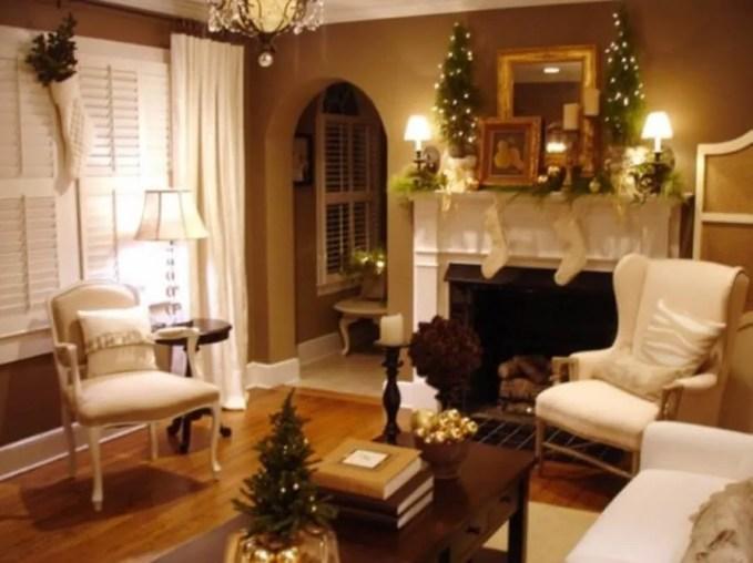 Classy Christmas Fireplace Mantel