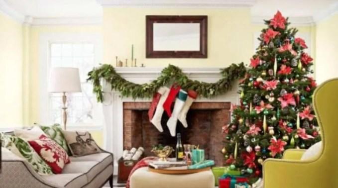 Elegant Christmas Fireplace Mantel