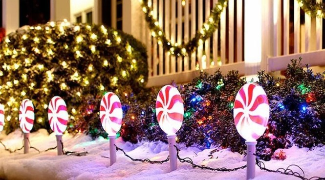 Outdoors Decorating On Decorations Christmas