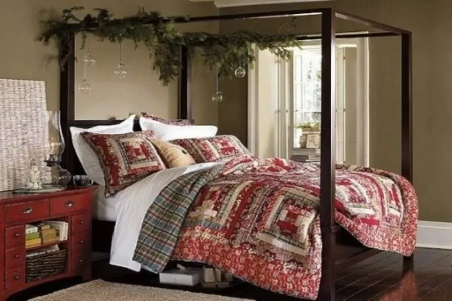 Inviting Christmas Bedroom Decor