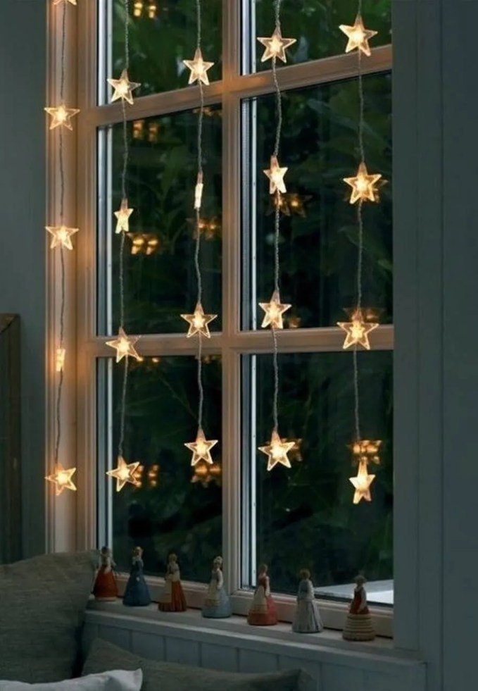awesome-christmas-window-decor-ideas-20