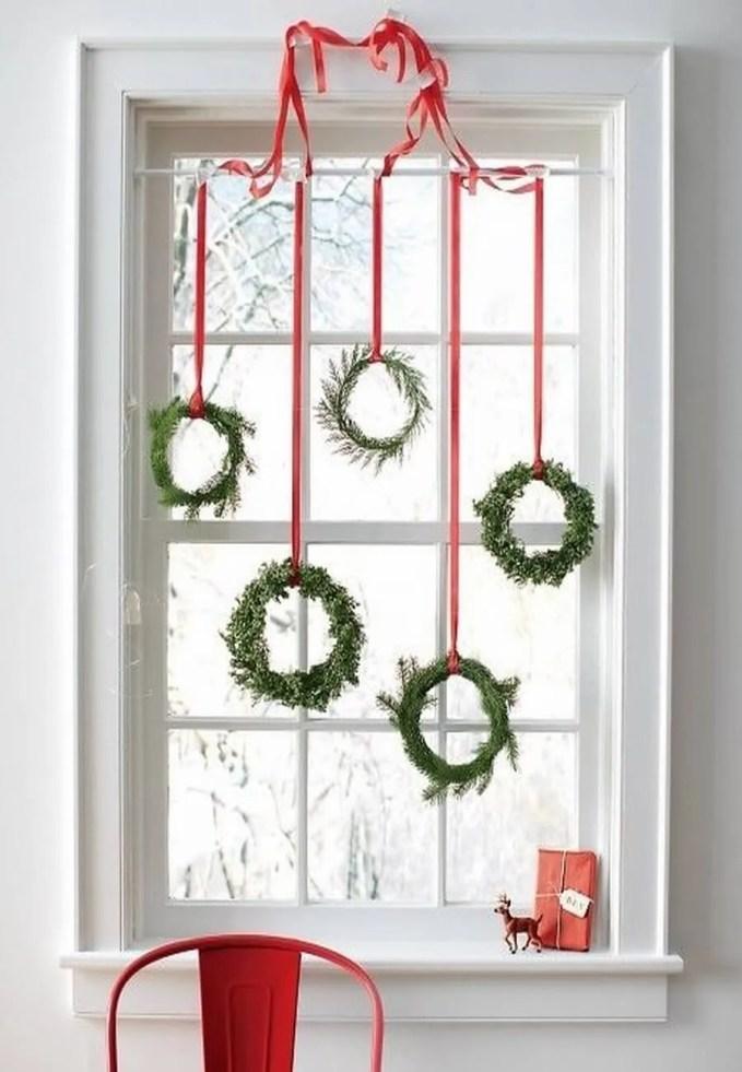 awesome-christmas-window-decor-ideas-23