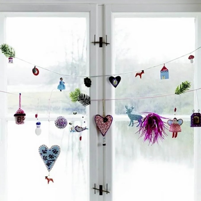 awesome-christmas-window-decor-ideas-6