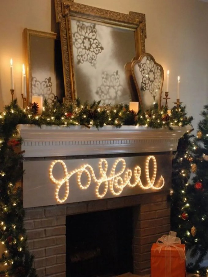 gorgeous-indoor-decor-ideas-with-christmas-lights-28-554x686