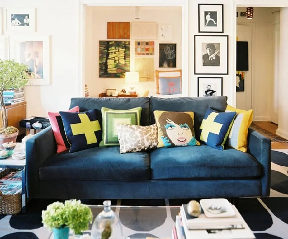 8 Chic Living Rooms With Dazzling Accent Pillows Https