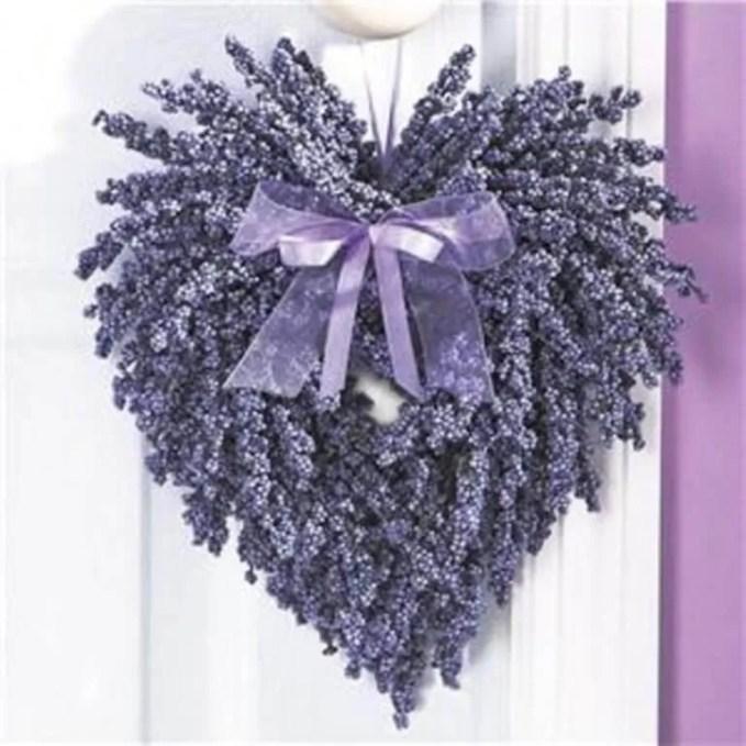 Heart Shaped Valentine;s Wreath