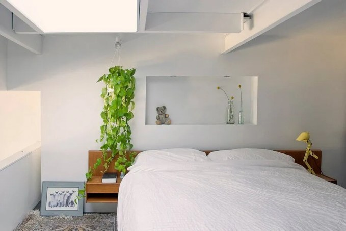 Refreshing Bedroom with Skylights
