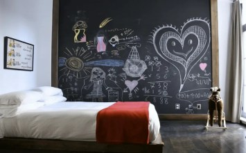 11 Super Creative Bedroom Designs With Chalkboard Wall