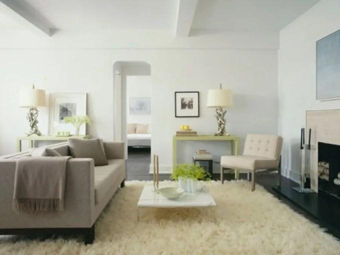 Serene Living Room with Flokati Rug