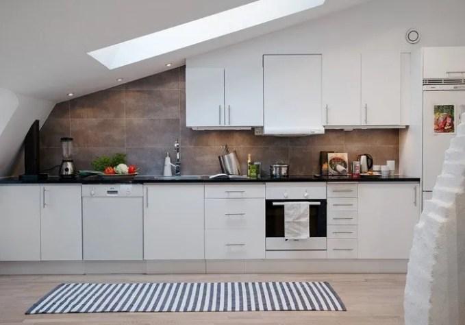 cozy-attic-apartment-in-the-scandinavian-style-interio-designer-08-700x489
