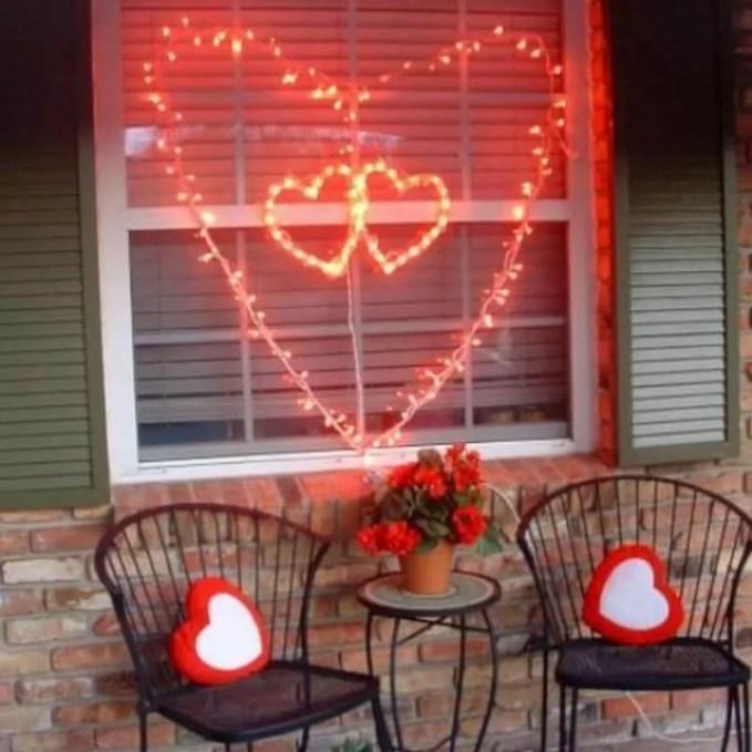 creative-outdoor-valentine-decor-ideas-6