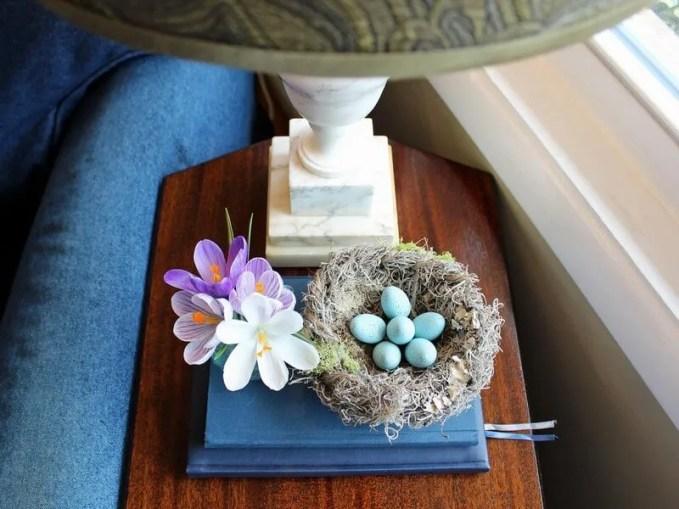original_Camille-Smith-Easter-robins-egg-small-nest-beauty-horiz.jpg.rend.hgtvcom.1280.960