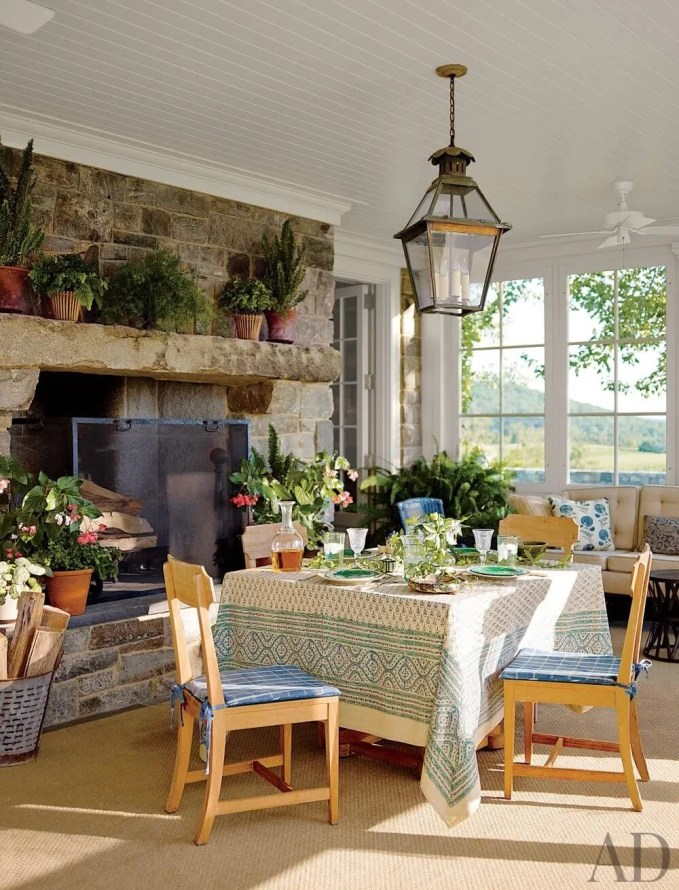 Charming Farmhouse Dining Room