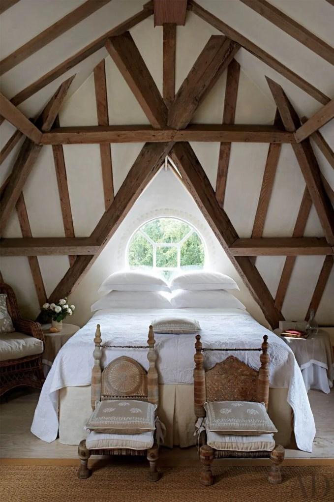 Criss Cross Oak Beamed Ceiling