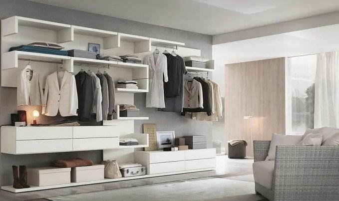 Modualr-units-shape-a-versatile-walk-in-closet