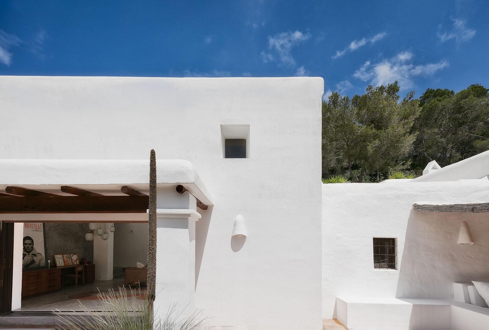 Fotografía interiorismo real State de la terraza en villa de sant josep de ibiza