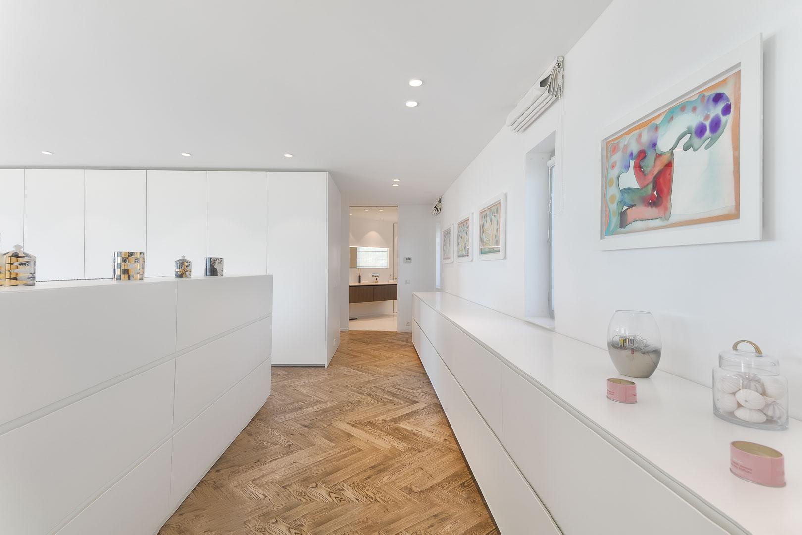foto profesional real estate de dormitorio interior de villa privada en Ibiza