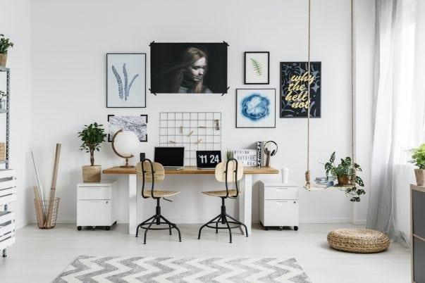 werkplek, thuiswerken, kantoor schommel in huis kinderkamer interiorqueen