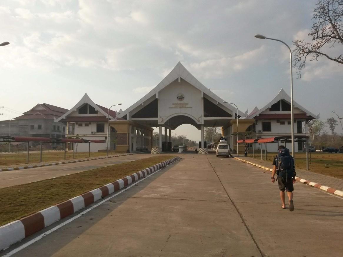 FrontiereLaos-CambodgeBackpacker