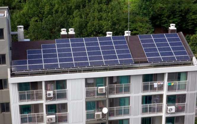 Solar Arrays On Apartment Buildings