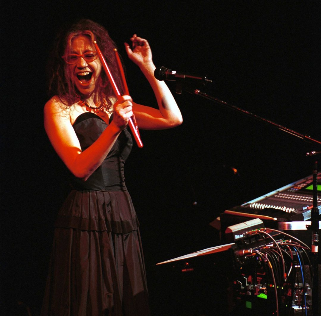 Amy-X-Neuberg_(voice-and-electronics)photo_by_Rob-Thomas