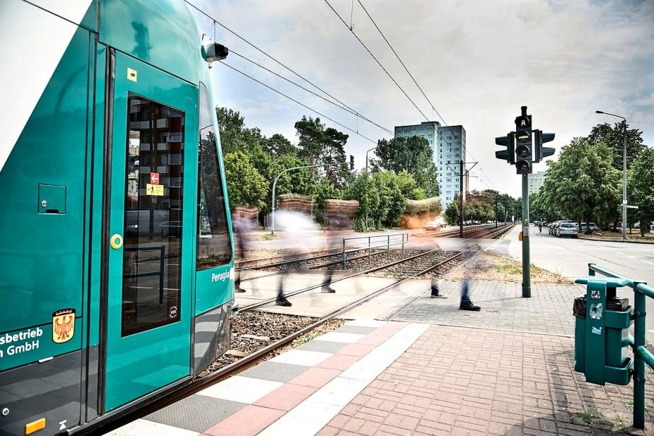 Siemens Mobility presents world?s first autonomous tram