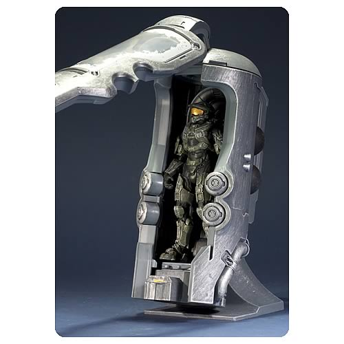 Halo 4 Frozen Master Chief with Cryotube Deluxe Figure