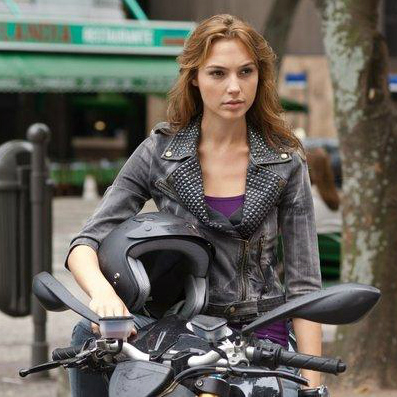 Gal Gadot Cast as Wonder Woman in 'Batman vs. Superman'