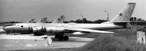 Tu119side 500x175 TIL the Tupolev TU 119, a nuclear powered Soviet bomber, could stay in the air as long as its pilots could stand the radiation.