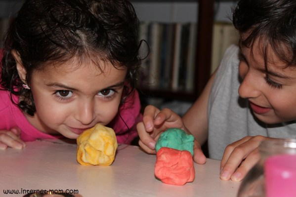 1270-jello-play-dough-פלסטלינה-ג'לי