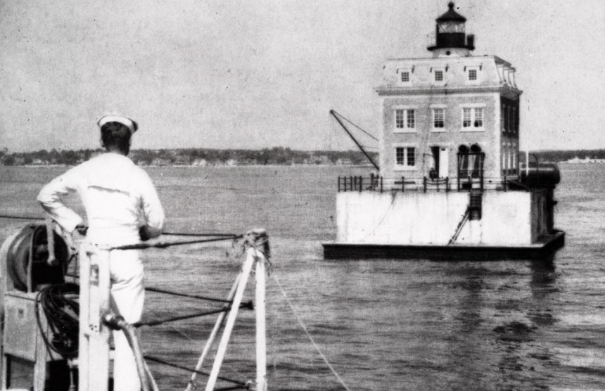 CGA Ledge Light 1954