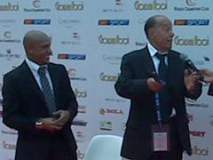 En büyük ödül Carlos'un!