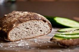 bramborovy kvaskovy chleb s orechy