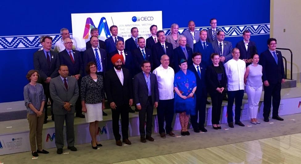 ISOC@OECD, Day 3: Walid Al-Saqaf on Blockchain; IETF Chair Jari Arkko on Network Convergence