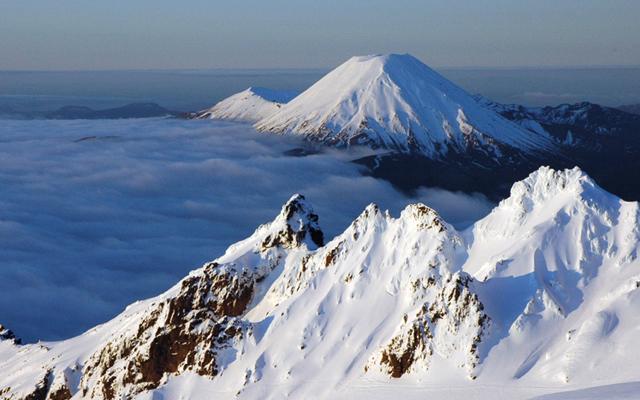 Tongariro- National-Park- Ruapehu-District- New-Zealand-02