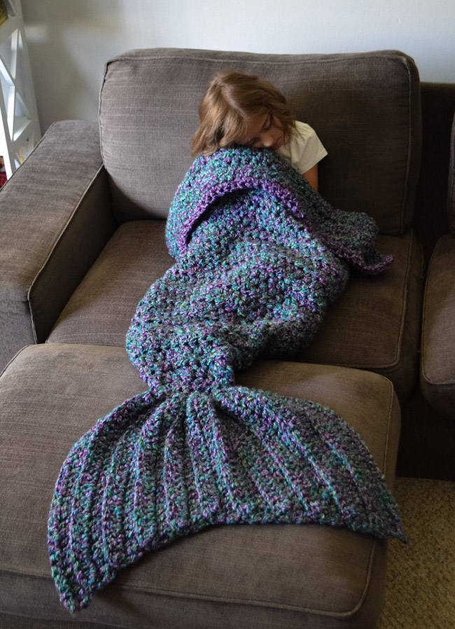 Mermaid-Tail-Blanket