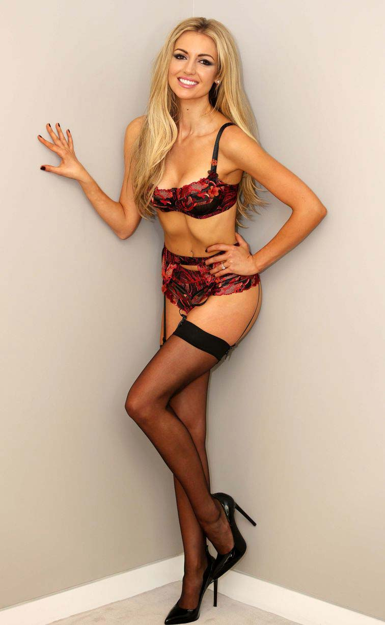 ROSANNA DAVISON Hot Pictures 1 Internet Vibes
