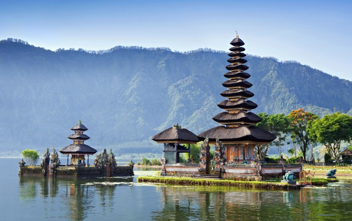 Bali_Island_for_thousands_of_temples