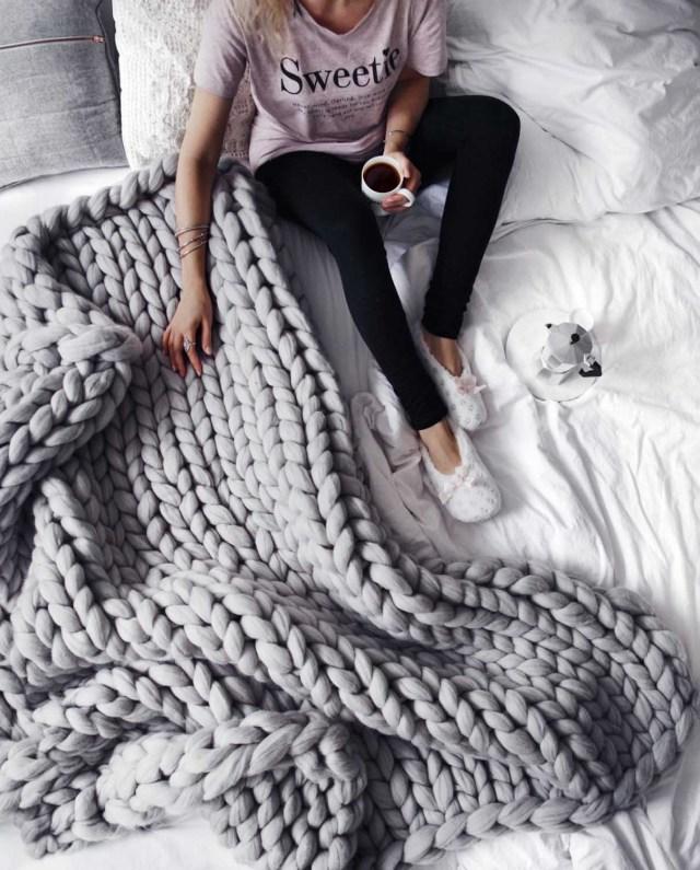 Ohhio Grande Punto blankets. Chunky blanket. Giant knit.