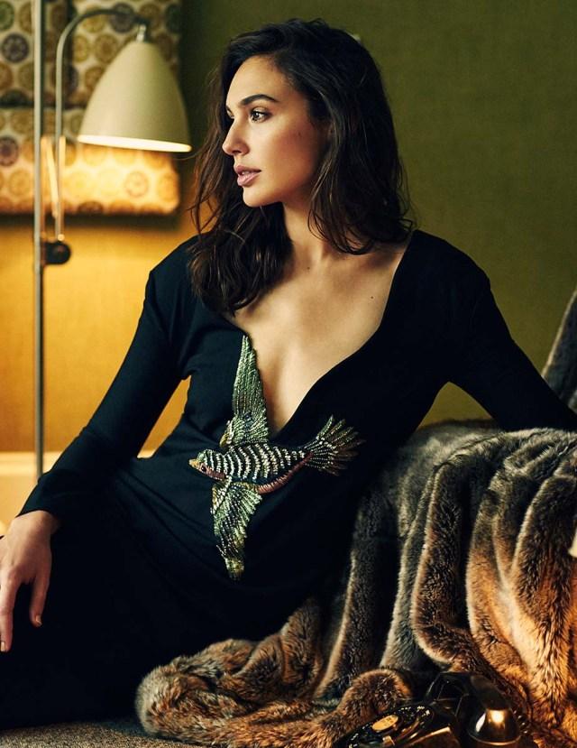 Gal-Gadot_sexy