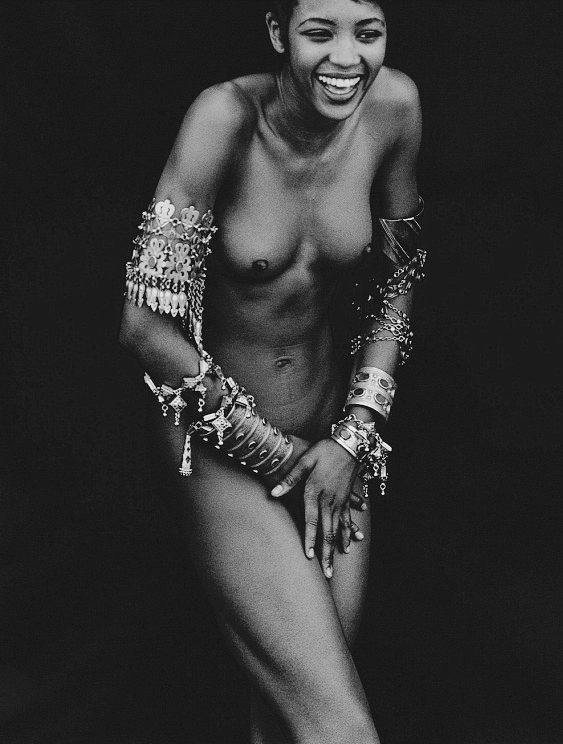Photography by Peter Lindbergh_ naomi campbell
