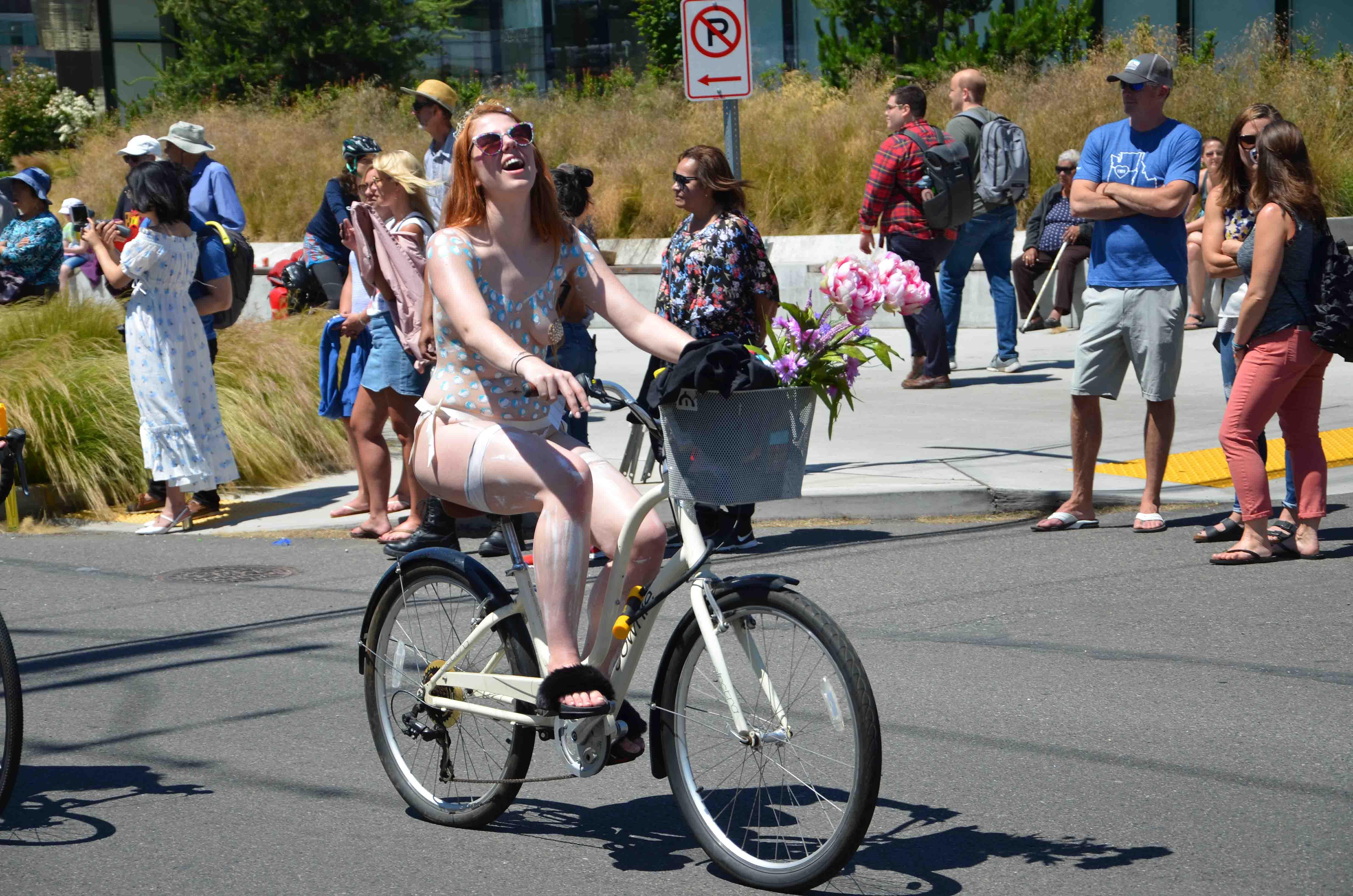 Something fremont nake bike ride 2008