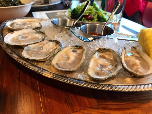 Mary Hoopa's Fried Chicken and Oysters