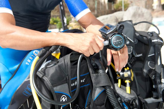 where to buy scuba diving gear