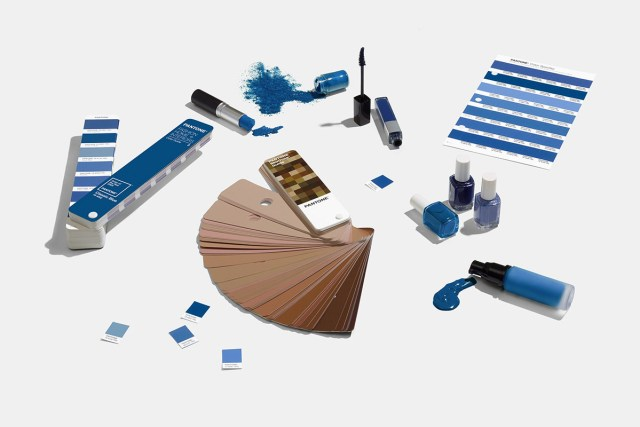 Pantone 2020 color of the year pantone 19 4052 classic blue - Color of the year 2020 ...