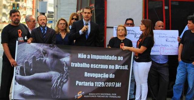 Auditores fiscais protestam contra trabalho escravo