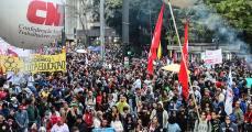 tsunami da educação, manifestação, muitas pessoas, pessoas na rua, avenida paulista