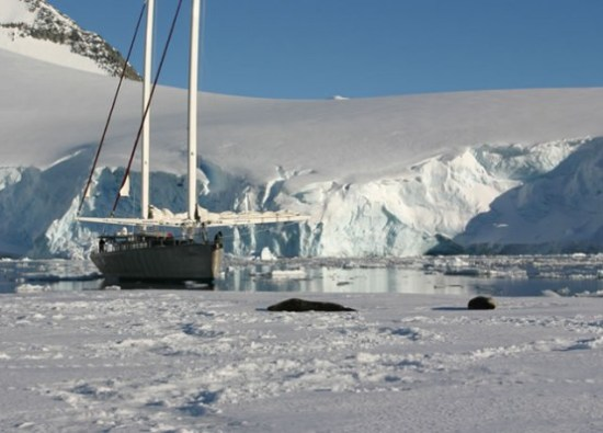 Amyr Klink sailing in Antarctica and Arctic