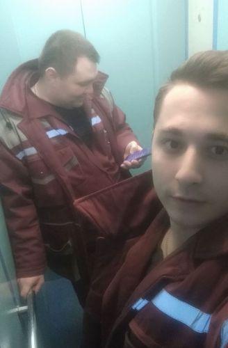 Врачей «скорой» на вызове самих пришлось спасать — они застряли в лифте