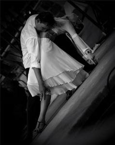 страстен танц